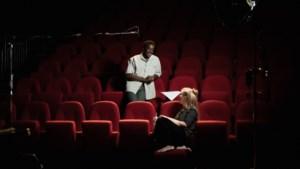Toneelgroep Maastricht deelt nieuwe serie 'Herfstkussen' uit vanaf 21 september