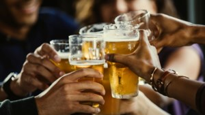 Bier kopen in de sportkantine is voor minderjarigen een fluitje van een cent