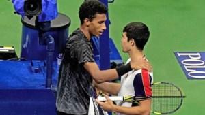 Drama op US Open: Spaanse sensatie Carlos Alcaraz (18) moet opgeven in kwartfinale