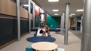 Op deze school mogen de kinderen meedenken, en nu hebben ze een glijbaan in het gebouw