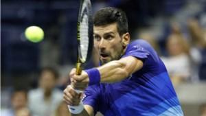 Djokovic heeft het maar een set lastig tegen Berrettini en is weer iets dichter bij record