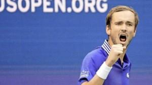 Daniil Medvedev stoomt door naar finale US Open