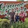 Verbroederende stadstuin Groene Loper razend populair: 'Van hoog tot laag komt hier tuinieren'