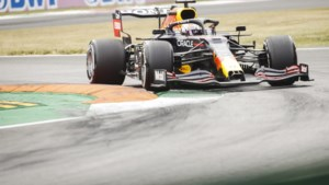 Mercedes-rijders blijven Verstappen ook in tweede vrije training nipt voor