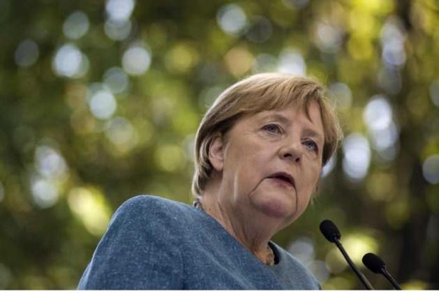 Merkel roept Duitsers op zich te laten vaccineren: 'Bescherm jezelf en anderen'