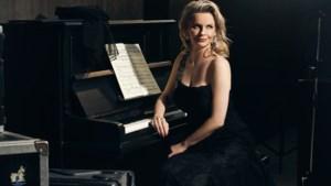 Het nieuwe album van Janine Kitzen ontstond zingend achter haar piano in de huiskamer