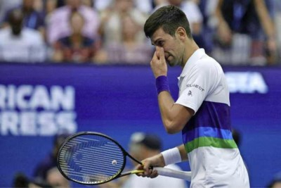 Emotionele Novak Djokovic bezwijkt onder de druk bij US Open: 'Ik was blij dat het erop zat'