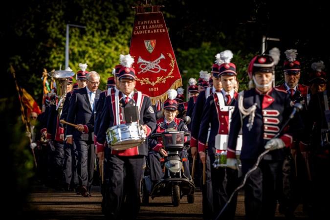 Marie-Jeanne Drummen rijdt met drapeau fanfare voorop