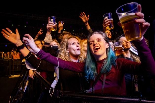 Ook discotheken en clubs mogen straks open, maar tot middernacht