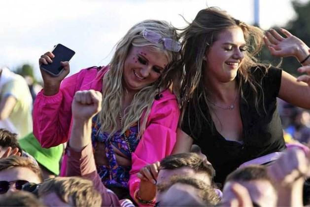 Burgemeesters: laat maximale aantal mensen toe bij festivals