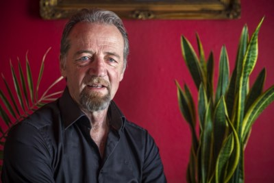 Arno Adams, de zanger achter het ultieme liefdeslied 'Kus Mich Dan', voelt zich miskend: 'Ik ben gewoon een sombere man'