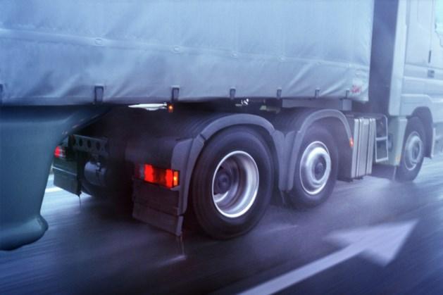 Vrachtwagens gaan waarschijnlijk vanaf 2026 betalen per kilometer
