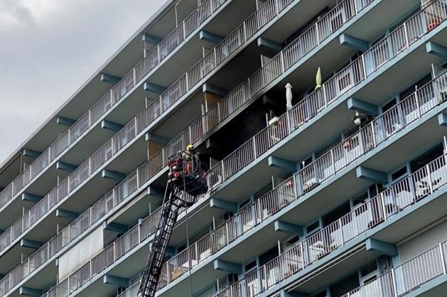 Door buren uit brandende flat Brunssum geredde vrouw alsnog aan verwondingen overleden