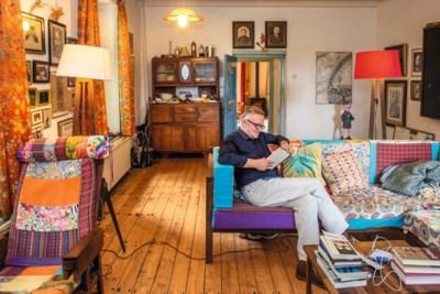 Kunstenaar Harm verbouwde de familiewoning in Geijsteren zelf: 'Ik teken nu portretten waar vroeger 28 koeien stonden'