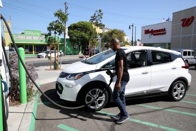 GM: Chevrolet Bolt-rijders moeten auto uit voorzorg vijftien meter van ander voertuig parkeren