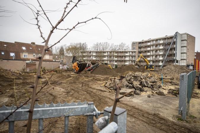 Moet Venlo binnen of buiten de contourlijntjes kleuren bij de bouw van woningen?