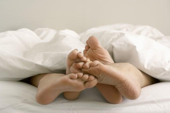 Alles over de voet: waarom je niet elke dag sneakers moet dragen en hoe belangrijk voeten zijn tijdens de seks