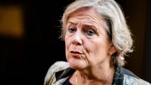 Demissionair minister Bijleveld stapt toch op na motie van afkeuring