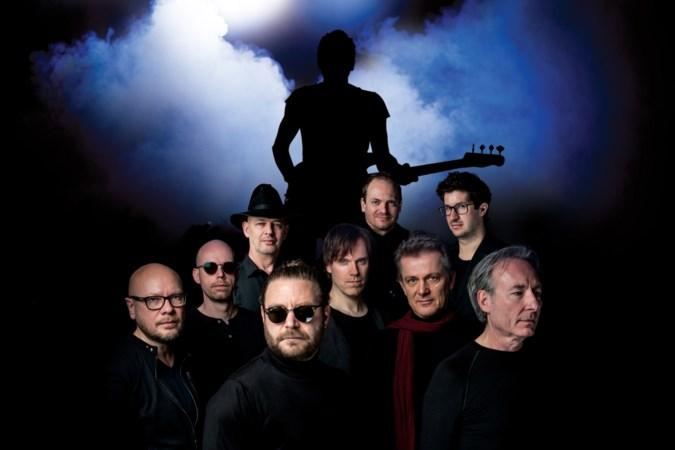 Zanger Luc Devens met Rock4 en band het theater in: de muziek van Sting maar dan helemaal anders