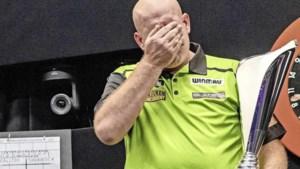Tranen bij Michael van Gerwen na eerste titel in 2021: 'Het gevoel is weer fenomenaal'
