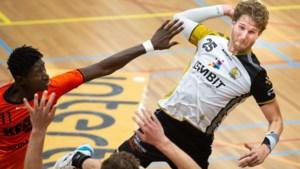 Handballer Jasper Adams weer terug op het veld na jaar afwezigheid: 'Mijn ene pees is wat korter dan de andere'