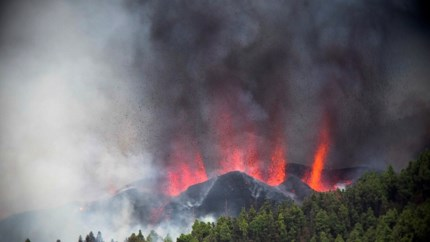 Video: Duizenden mensen geëvacueerd na vulkaanuitbarsting La Palma