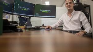Dylan (23) uit Geleen bouwt webshops voor oudere lokale ondernemers in nood: 'Klanten lopen niet meer uit zichzelf je winkel in'