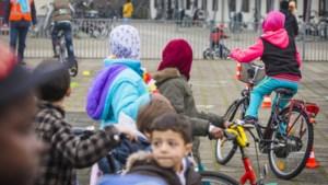 Aantal alleenstaande kinderen in azc's bijna verdubbeld in jaar