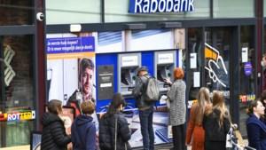 Rabobank sluit kantoren: 'Medewerkers wachten hele dag op klanten die niet komen'