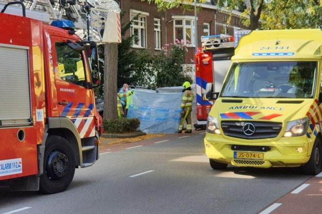 Vrouw ernstig gewond na aanrijding met auto in Maastricht