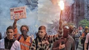 Australische protesten tegen lockdown lopen uit de hand, politie pakt ruim tweehonderd actievoerders op