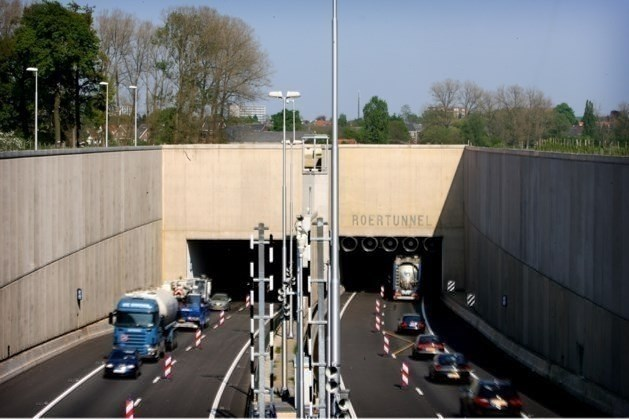 Grootschalige asfalteringswerkzaamheden op A73: snelweg hele weekend dicht