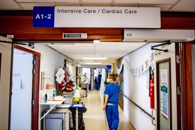 Iets minder coronapatiënten in ziekenhuizen,  gemiddeld aantal positieve coronatests verder gedaald