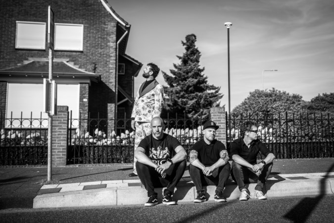 Nieuwe liedjes punkrockband Heideroosjes als remedie tegen depressie
