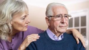 Informatiestand over dementie op weekmarkt in Reuver