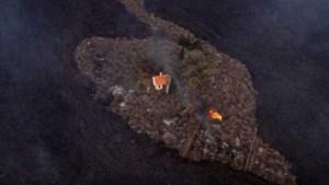 Bijzondere foto van huisje op La Palma dat wist te ontsnappen aan lavastroom