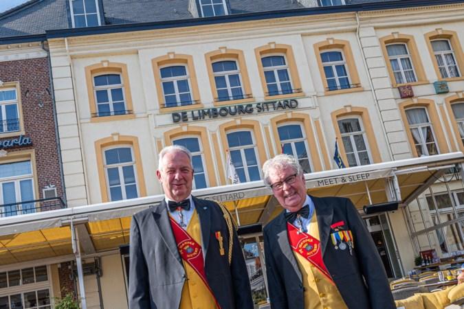 De stadsvlag van Sittard wappert dankzij jubilerende De Mander