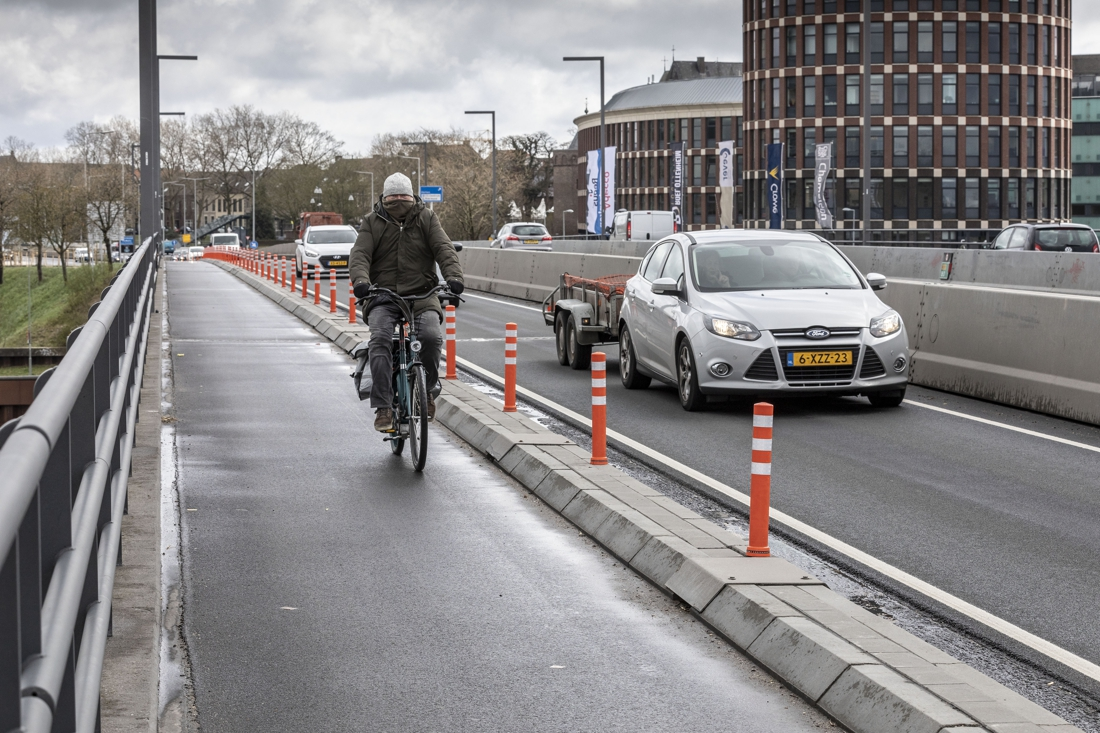 Fietspaden rondom Louis Raemaekersbrug in Roermond op de schop - De Limburger