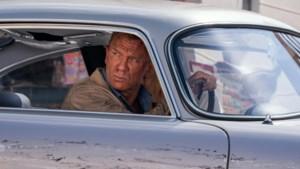 Na lang, lang wachten gaat de 25ste James Bond-film eindelijk draaien: geheim agent 007 blijft onverwoestbaar