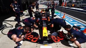Max Verstappen incasseert gridstraf en start achteraan in Sotsji, gaat Lewis Hamilton hetzelfde doen?