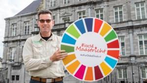 Erepenning van de stad Maastricht voor CNME'er John Steijns