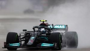 Strategische zet bij Mercedes: Valtteri Bottas krijgt wéér nieuwe motor en start paar plekken voor neus van Verstappen