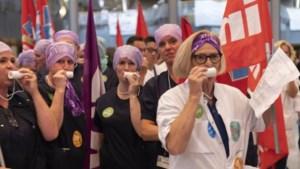 Stakende ziekenhuismedewerkers gaan pingpongen en houden pubquiz