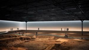 Zo komt het nieuwe Romeins Museum van Heerlen eruit te zien: klassiek pand rondom badhuis naast modern museumgebouw