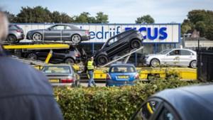 Een in beslag genomen Ferrari, vier opgepakte mensen en huiszoekingen: 'Iedereen weet wat er aan de hand is'