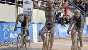 Mathieu van der Poel grijpt naast zege in epische editie Parijs-Roubaix