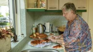 Oma Lucie kookt elke vrijdag voor kleinkinderen: zoervleis en proemevlaai zijn een hit