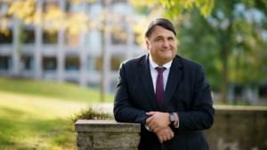 Universiteitsbestuurder neemt flinke portie Maastricht mee naar Bochum