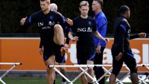 Van Gaal beknot Frenkie de Jong in vrijheid bij Oranje: 'Ik kan niet zomaar dribbelen en weglopen'