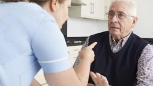 Veilig Thuis ziet aantal meldingen toenemen: 'Maak ouderenmishandeling zichtbaar en bespreekbaar'